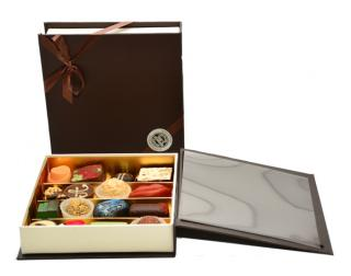 BROWN BOOK набор из шоколада ручной работы Baccarat